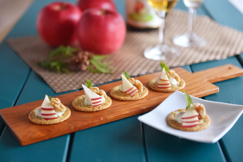 りんごとブルーチーズのカナッペ