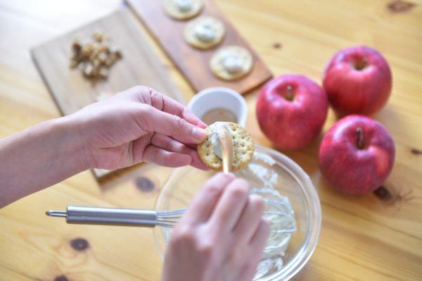 りんごの料理 りんごとブルーチーズのカナッペ3