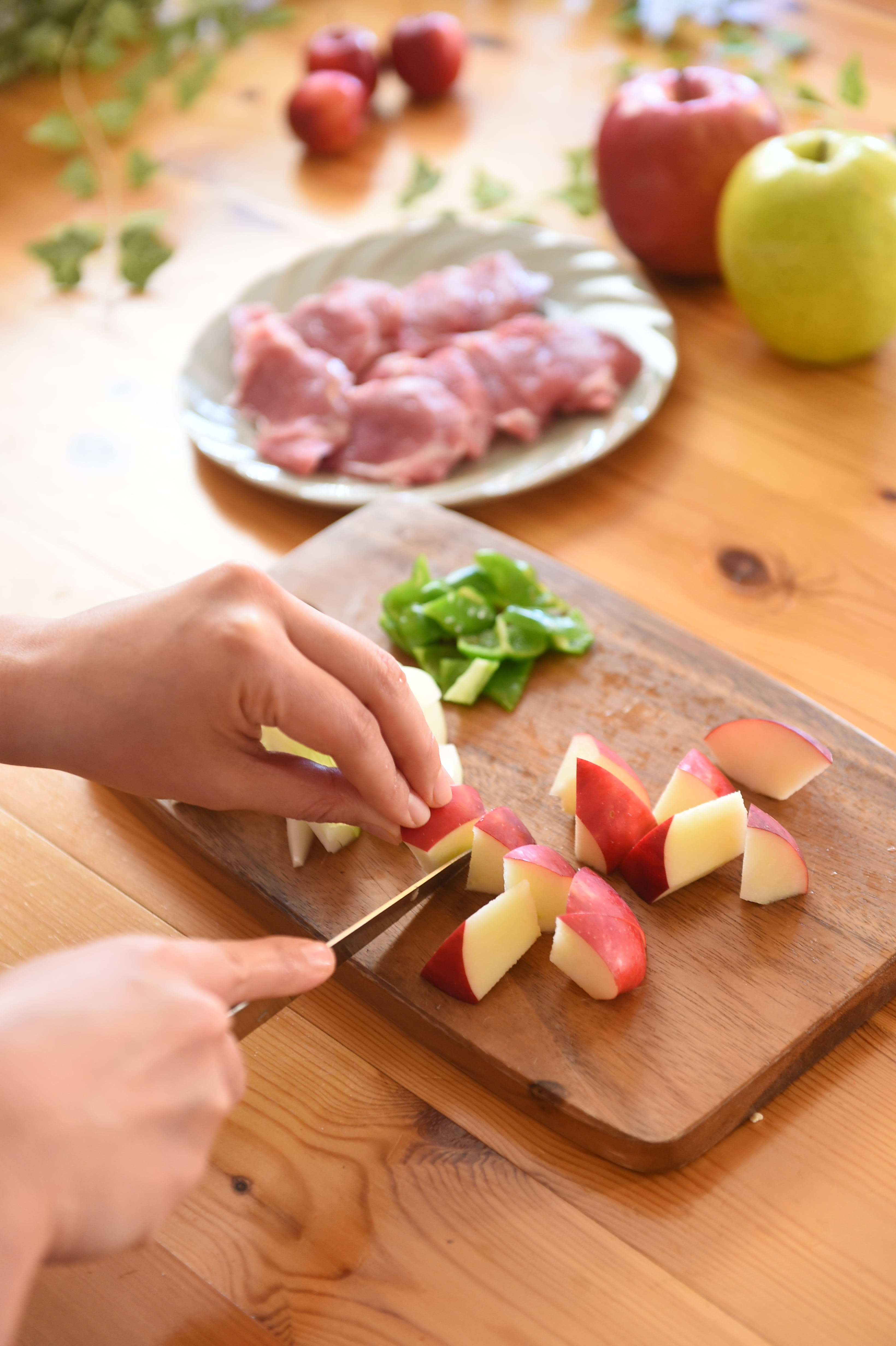 りんごの料理 りんごの黒酢で酢豚1
