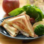 チーズとりんごのホットサンド