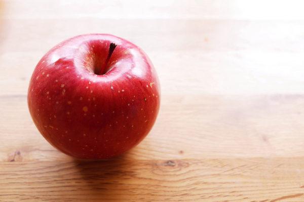 りんごのテカテカは食べごろのサインだった!