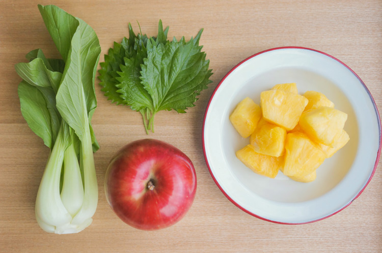 りんごのグリーンスムージー 材料